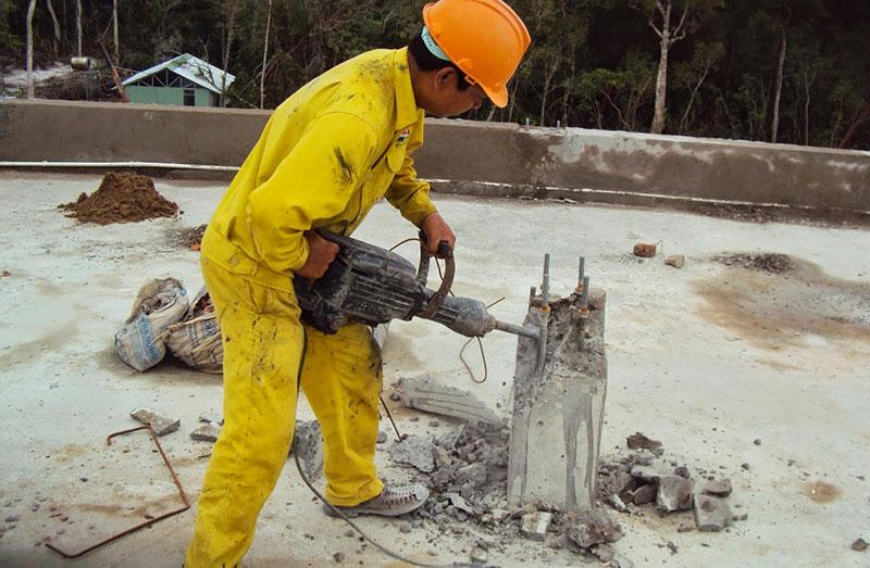 Đục phá bê tông chuyên nghiệp chất lượng tại Dĩ An Bình Dương