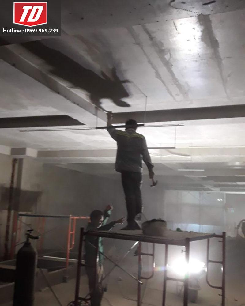 Cắt bê tông trần nhà